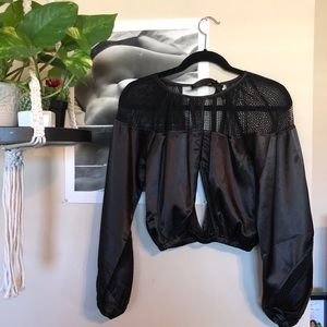 Crop Long sleeve top from LF stores
